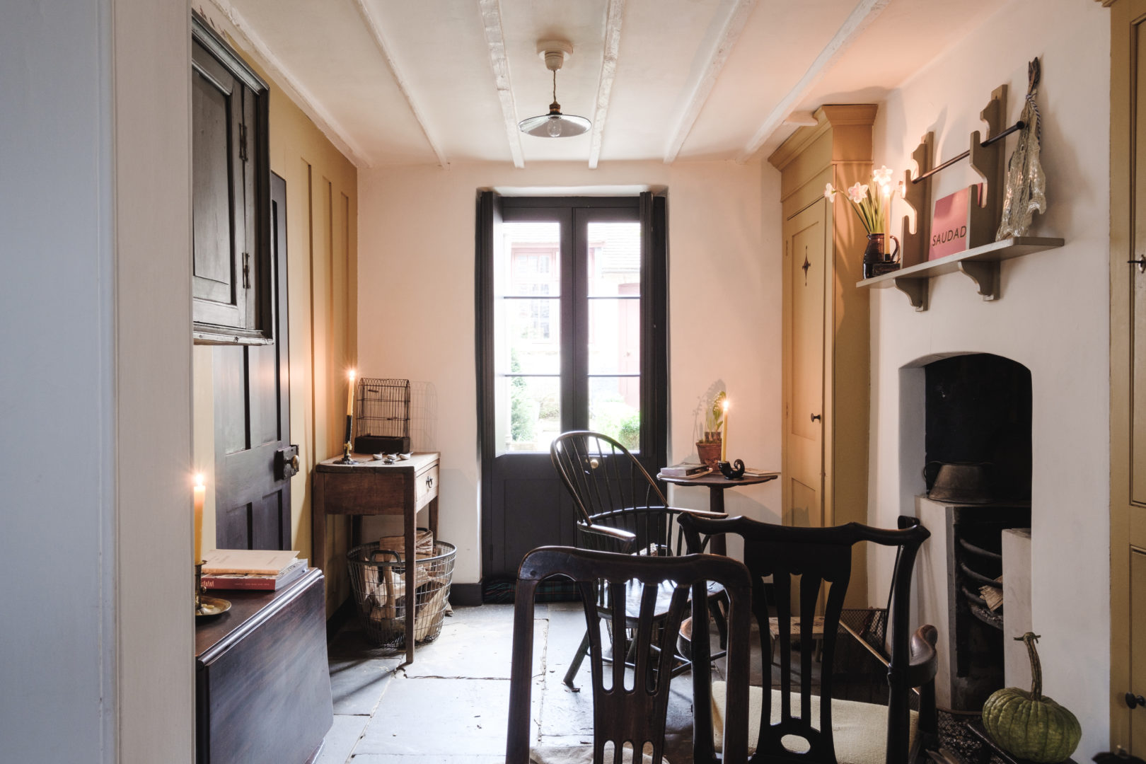 Pedro da Costa Felgueiras - Georgian House Renovation - Varden Street - Aucoot - Kitchen with fireplace