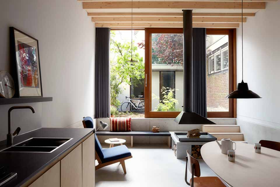 1-44-Architects-Aucoot-Design-Directory-Modern-House-Red-House-Park-House