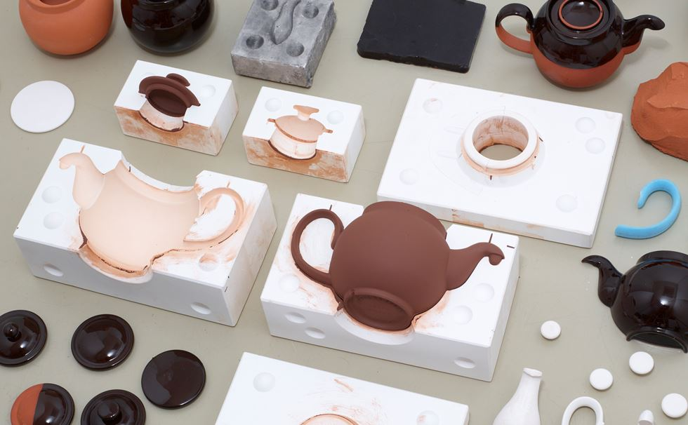 Brown Betty teapot - Aucoot - Ian McIntyre