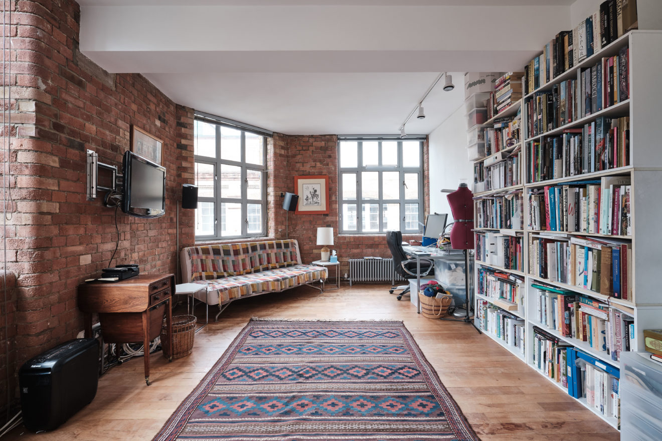 Underwood-Street-Warehouse-Conversion-exposed-brickwork-and-factory-windows-photo-by-Aucoot-Estate-Agents